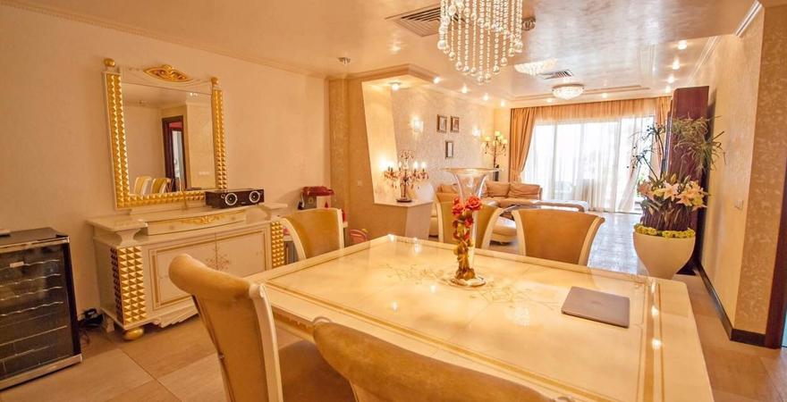 Как оформить интерьер гостиной в классическом стиле