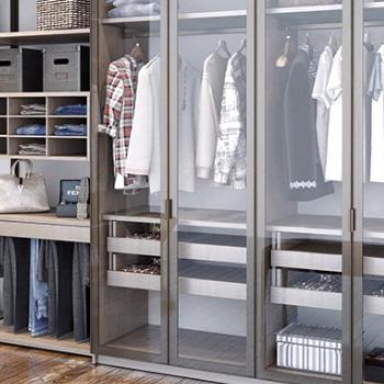 Оборудование гардеробной в Москве