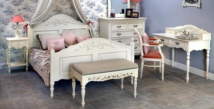 Мебель в стиле прованс с резьбой