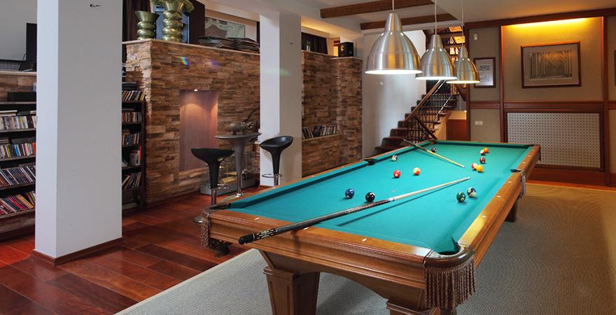 Ремонт и дизайн бильярдной комнаты