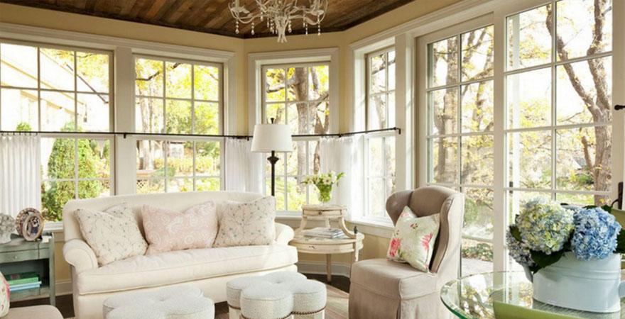 Большие окна в интерьере в стиле прованс