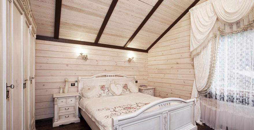 Обшивка стен досками при создании дизайна дома в стиле прованс