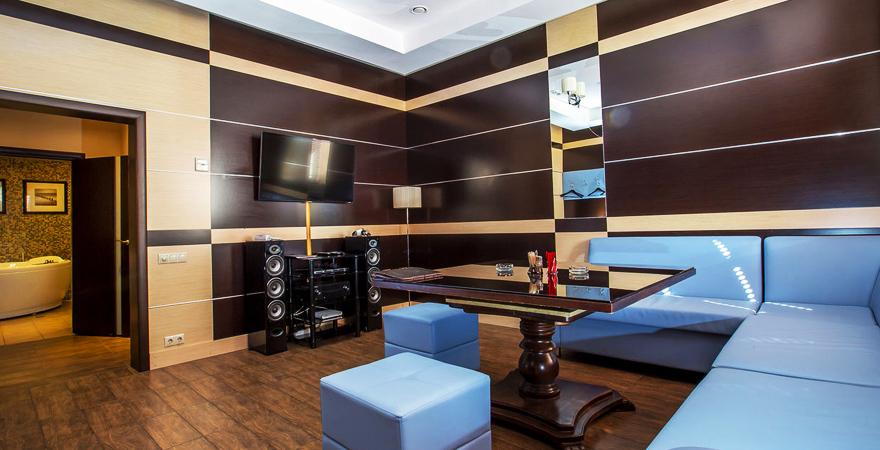 Дизайн комнаты отдыха бани в современном стиле