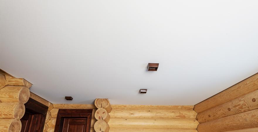 Потолок в комнате отдыха в бане