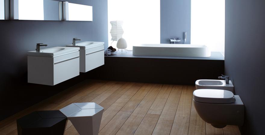 Навесная сантехника в ванной в стиле минимализм