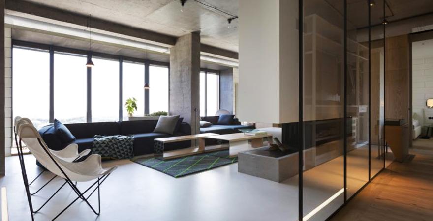 Стеклянная перегородка в квартире в стиле минимализм