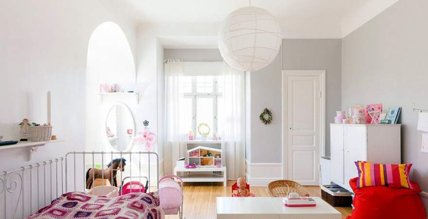 Отделка потолка в детской в скандинавском стиле