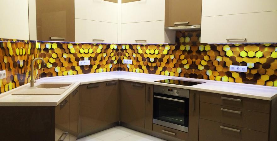 Элементы в виде сот на кухне