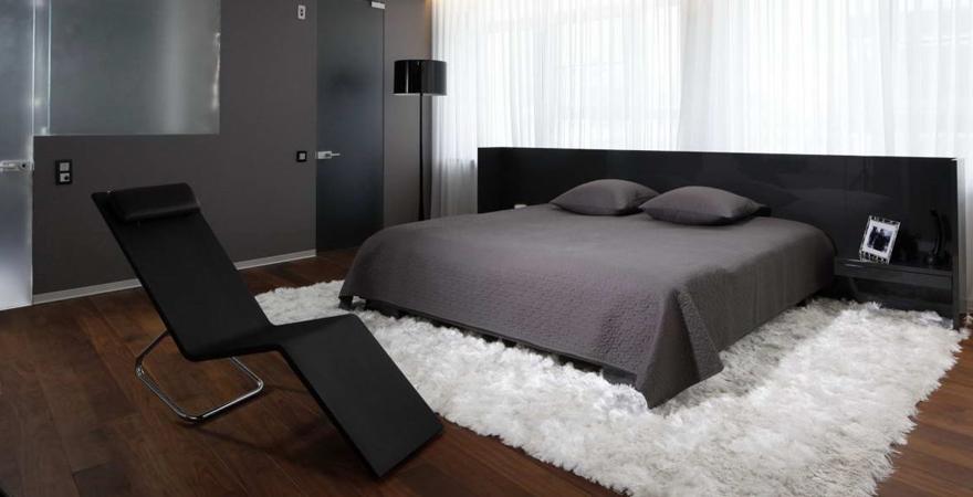 Ковёр в спальне хай-тек